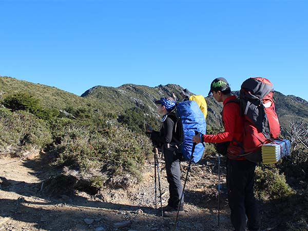Mountain climbing activities that require mountain permits or park permits to enter to the ecological preservation area