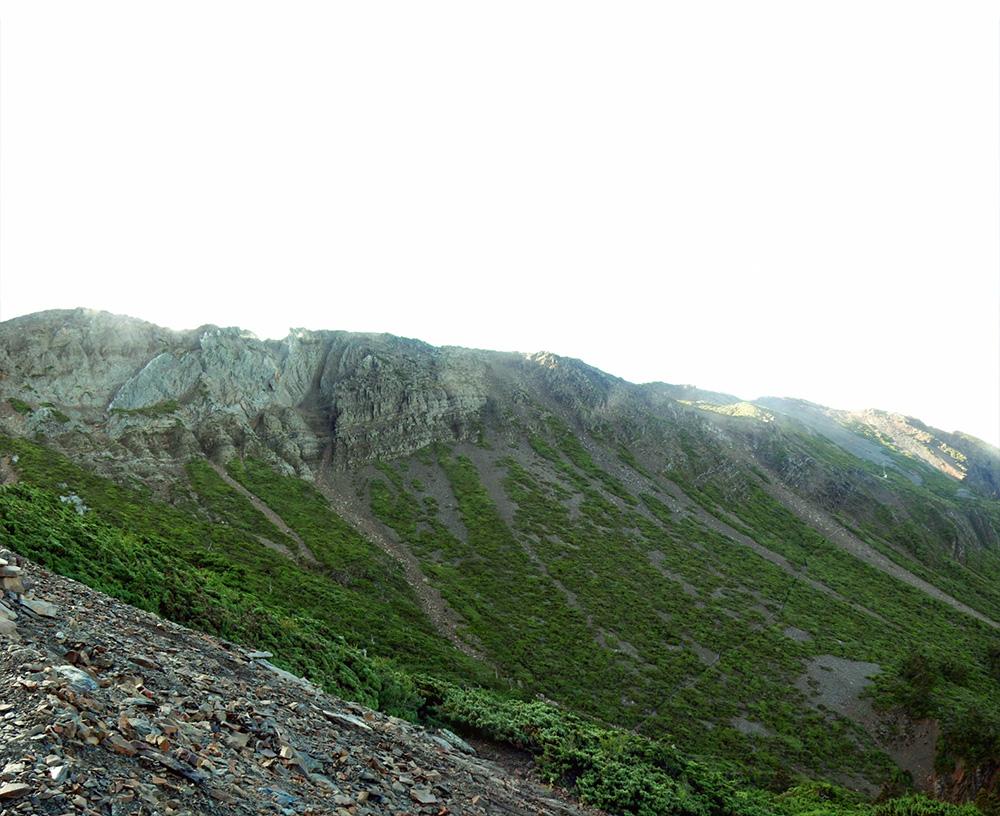 玉山主峰西側地形