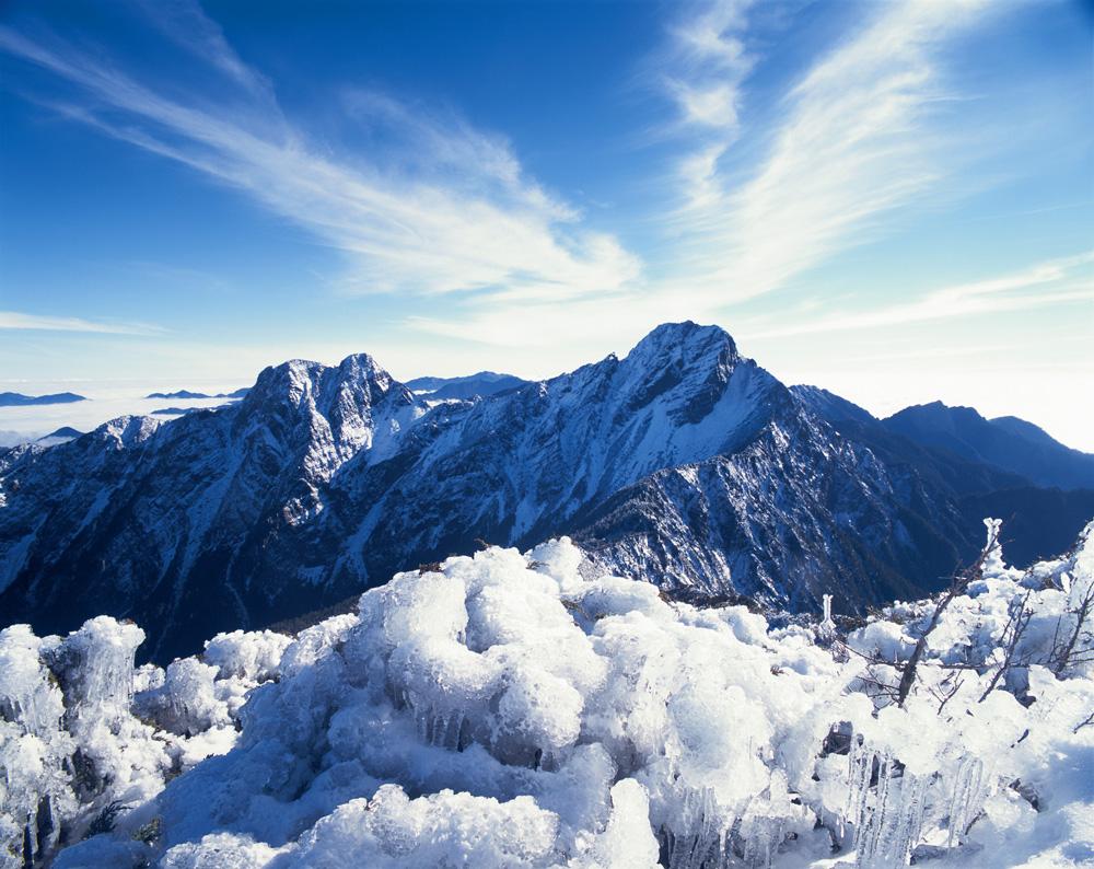 玉山主峰雪景