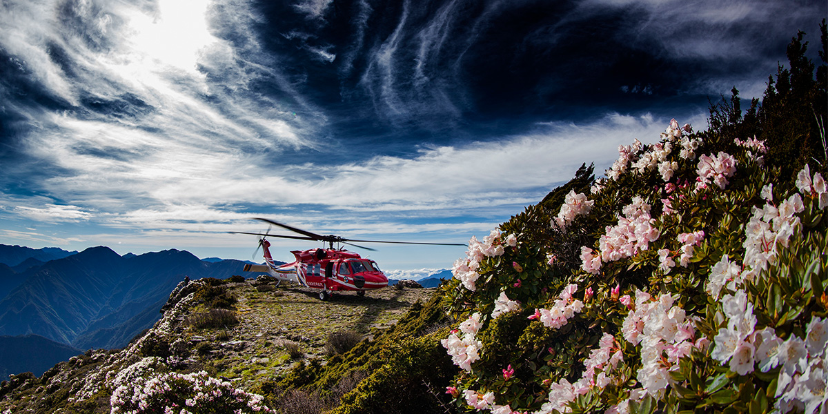 山域での予想外の事故で生命を維持し救助待ちをする際の鉄則