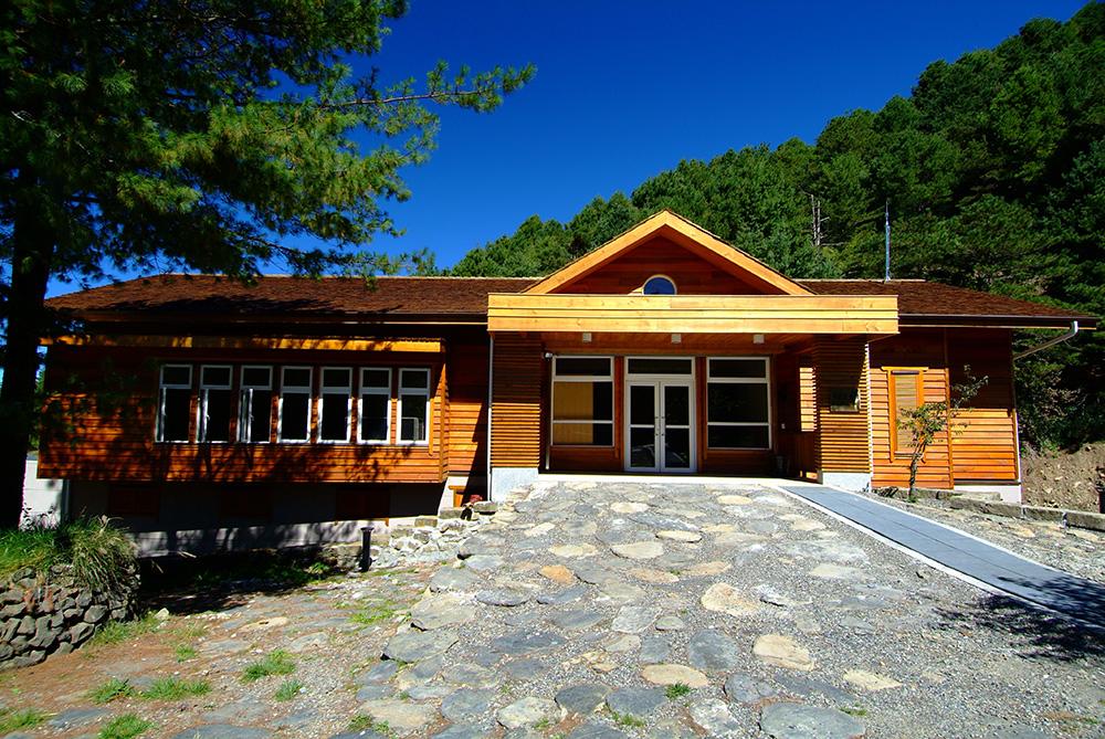 排雲登山服務中心